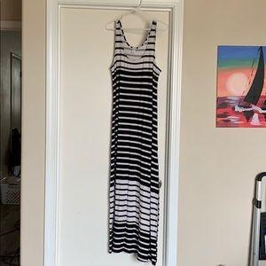 Maxi Dress Large Old Navy Black & White striped